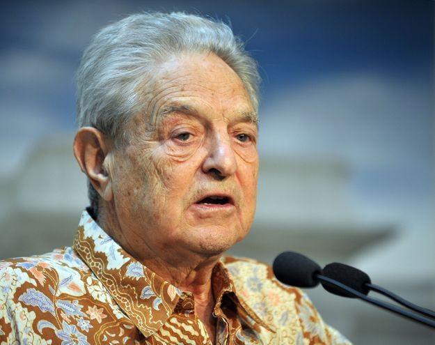 George Soros ma jasną wizję w jaki sposób unia powinna posprzątać na własnym podwórku /AFP