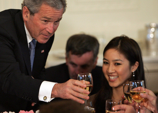 George W. Bush brał na serio prezydenturę. Samego siebie już nie... /AFP