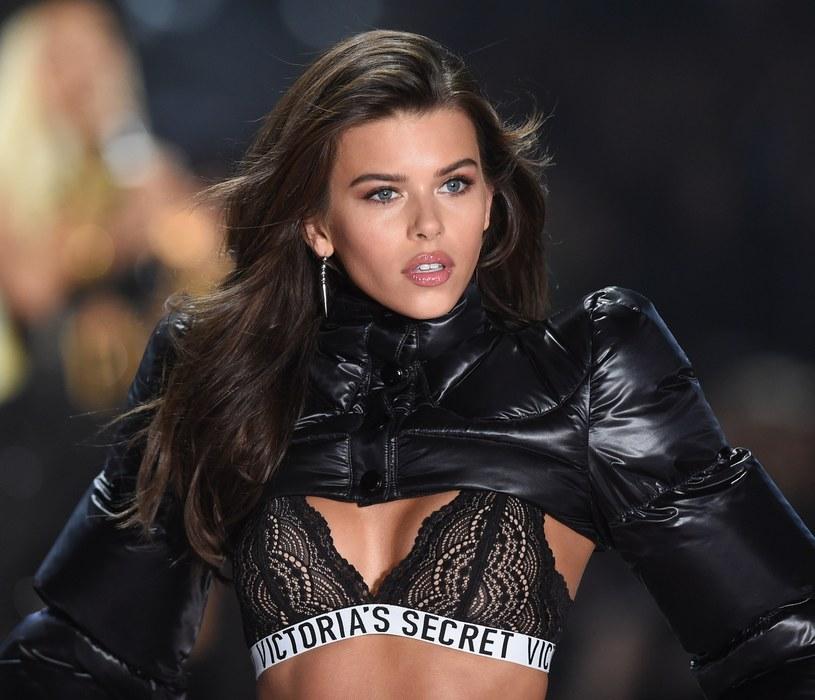 Georgia Fowler na pokazie Victoria's Secret /Gilbert Flores /Broadimage /East News