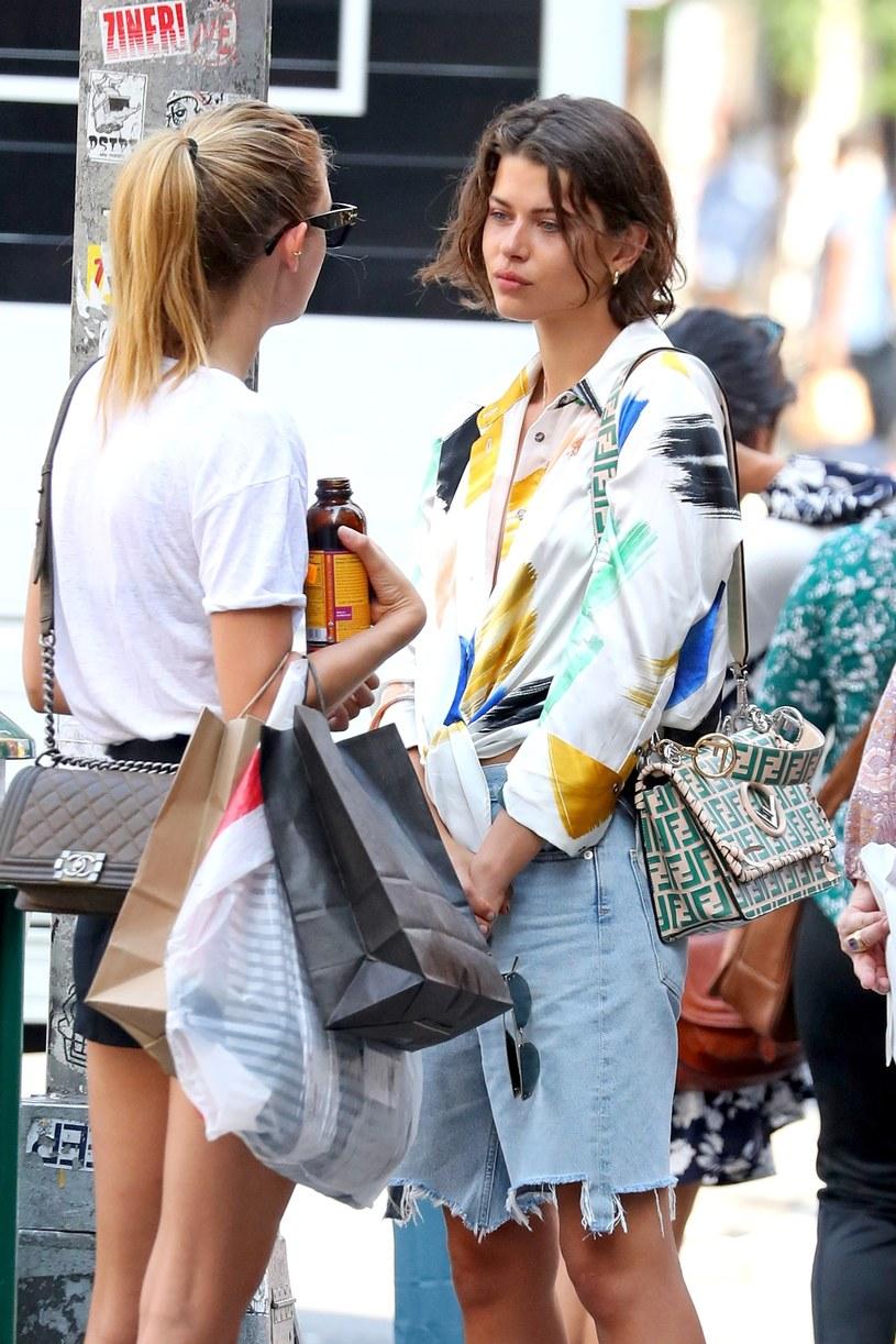 Georgia Fowler podczas spaceru po Nowym Jorku /Splash News /East News