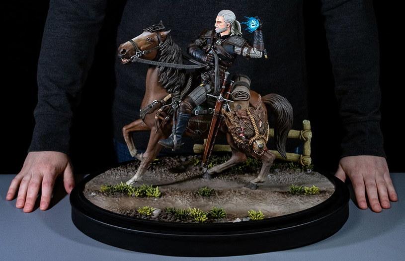Geralt z Rivii - figurka /materiały prasowe