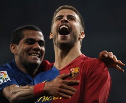 Gerard Pique jest zadowolony z transferów Realu Madryt /AFP