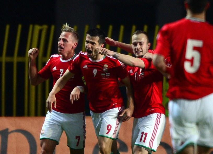 Gergo Lovrencsics (trzeci od lewej) w meczu reprezentacji Węgier /AFP