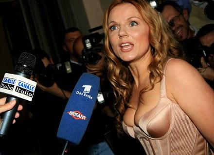 Geri Halliwell - posiadaczka najładniejszego biustu wsród byłych Spice Girls na świecie /AFP