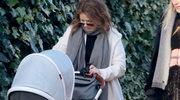 Geri Halliwell z synkiem na spacerze