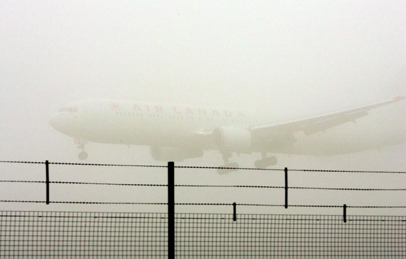 Gęsta mgła sparaliżowała w środę komunikację lotniczą /AFP