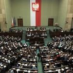 GFK Polonia: Trzy partie w Sejmie, wzrost notowań Zjednoczonej Lewicy