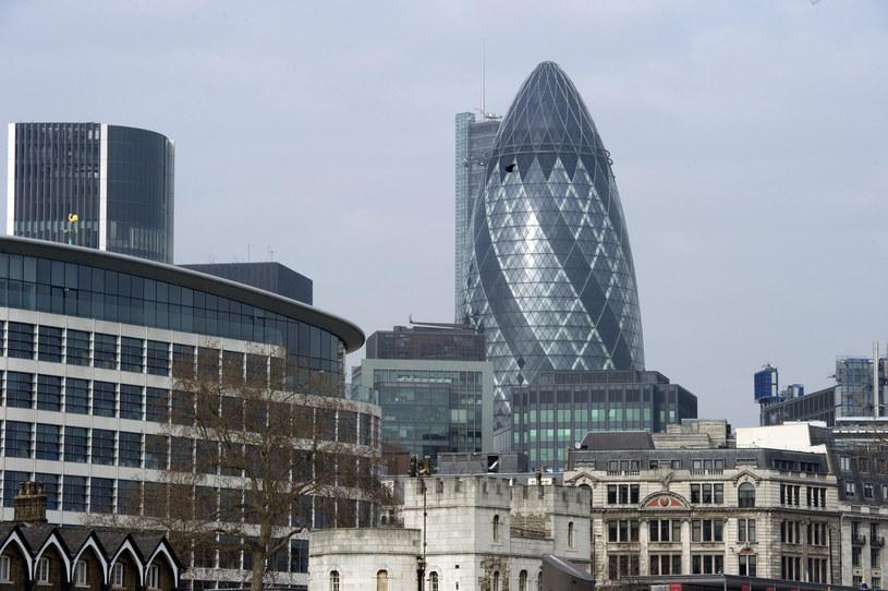 Gherkin to jeden z najbardziej ikonicznych budynków w Londynie /MIGUEL MEDINA /AFP