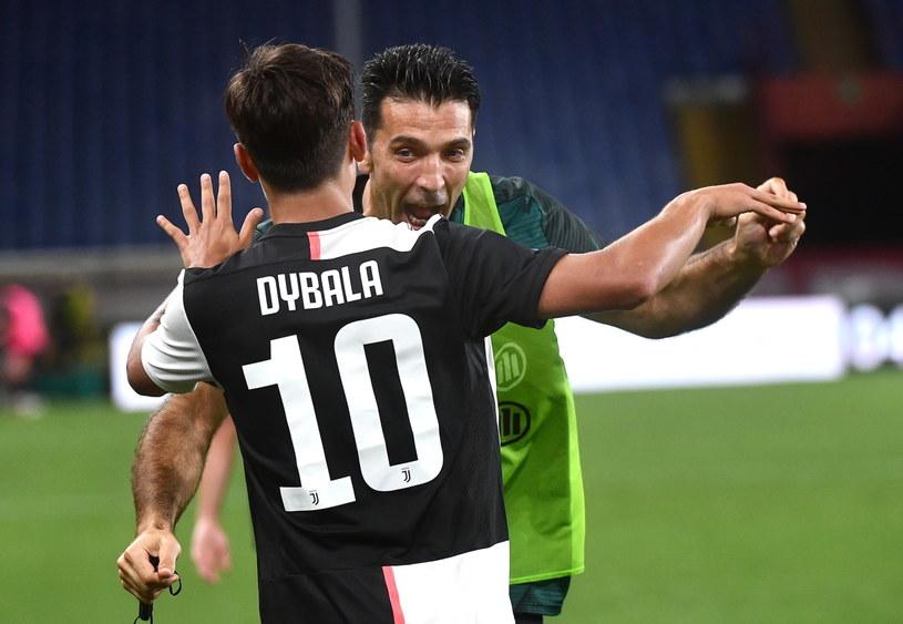 Gianluigi Buffon i Paulo Dybala /PAP/EPA