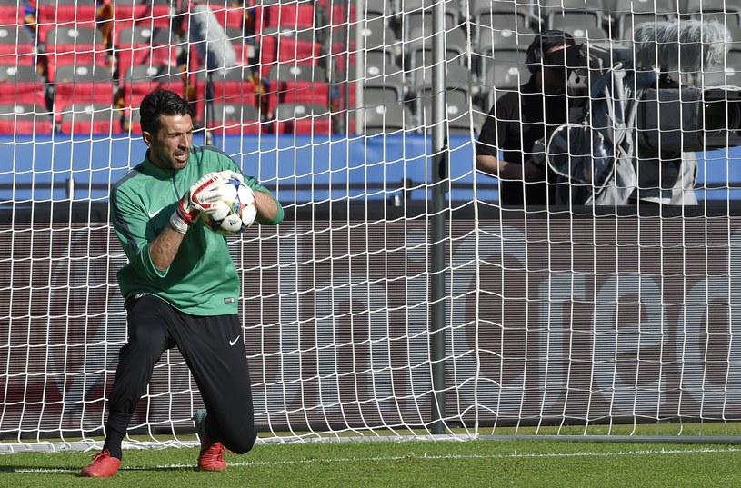 Gianluigi Buffon na treningu w Berlinie /AFP