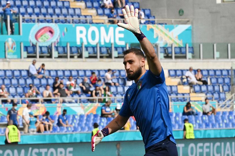 Gianluigi Donnarumma może niebawem pobić rekord legendarnego bramkarza Dino Zoffa /ANDREAS SOLARO/AFP/East News /East News