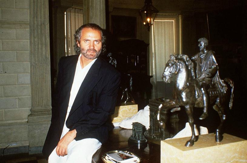 Gianni stał się prawdziwą wyrocznią mody. Nie przeszkodziły mu w tym ani oskarżenia dotyczące nadużyć finansowych, ani nieukrywany homoseksualizm /East News