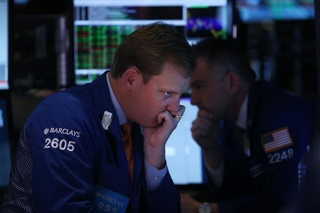 Giełdy zareagowały na duże spadki cen ropy naftowej /AFP