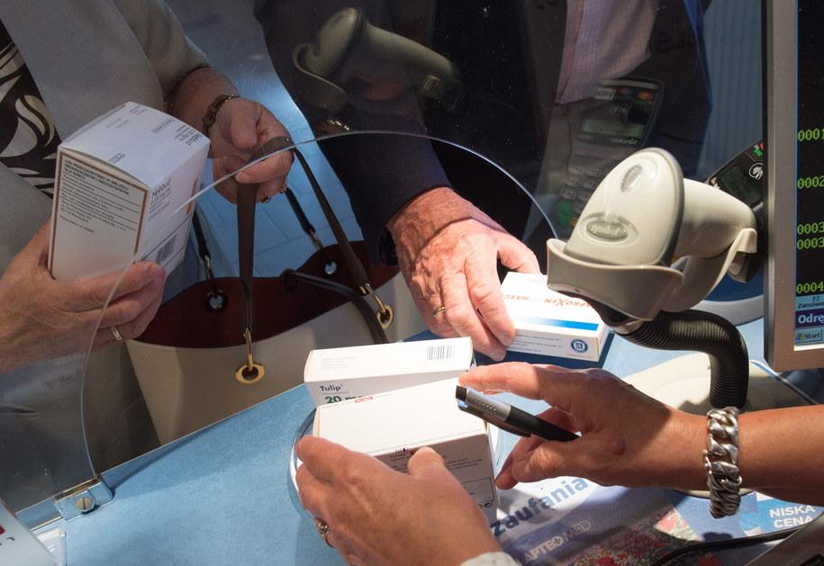 GIF wycofuje z obrotu dwa leki. Zdjęcie ilustracyjne /Grzegorz Michałowski   /PAP