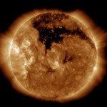 Gigantyczna dziura koronalna na Słońcu