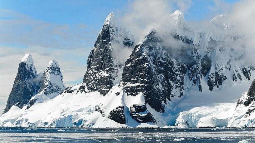 Gigantyczne antarktyczne jezioro zniknęło… w zaledwie 3 dni /Geekweek