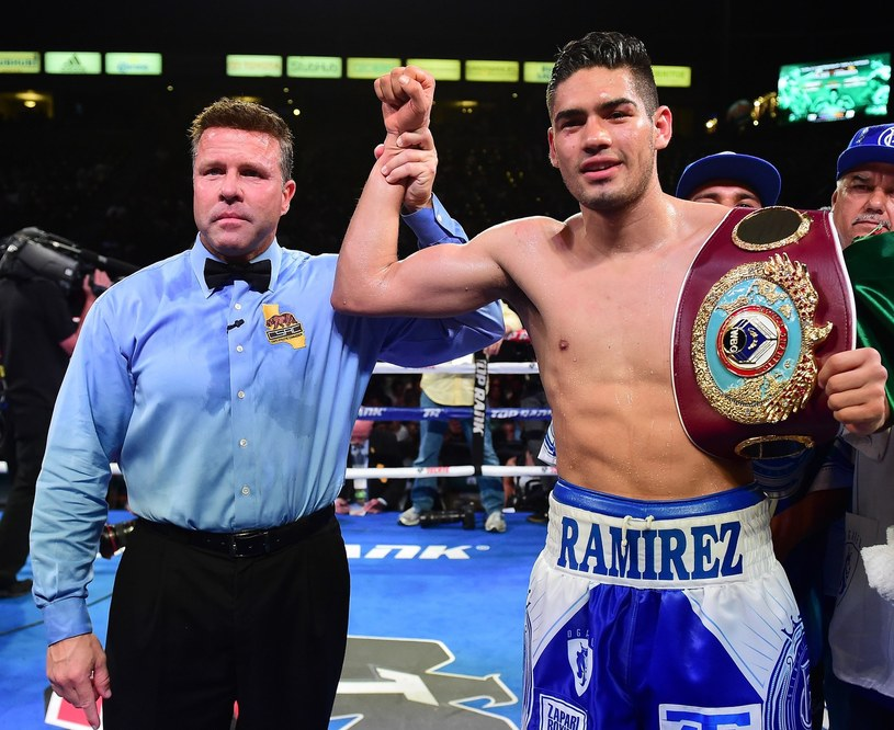 Gilberto Ramirez chce walczyć z Giennadijem Gołowkinem /AFP