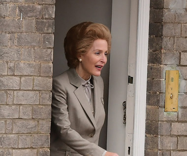 "Gillian Anderson jako Margaret Thatcher w ""The Crown"""