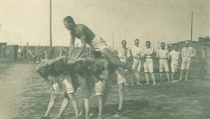 Gimnastyka legionistów. Zdjęcia z 1917 roku