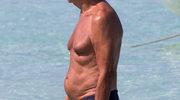 Giorgio Armani pluska się w morzu z przyjacielem