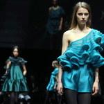 Giorgio Armani: Półnagie kobiety w reklamach to gwałt