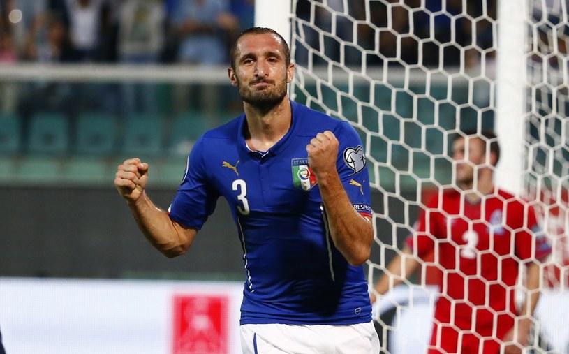 Giorgio Chiellini strzelił trzy gole, w tym dwa dla Włochów... /AFP