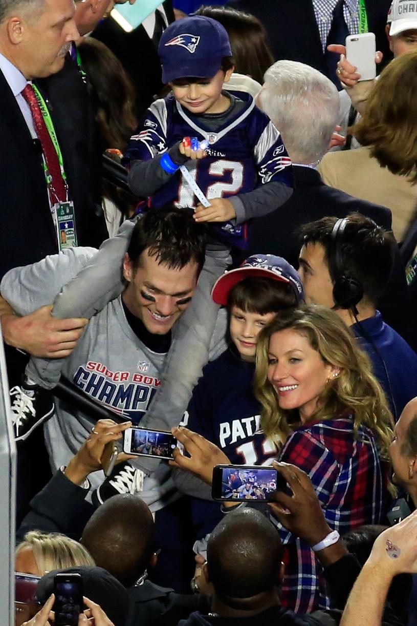 Gisele Bundchen z mężem i dziećmi /Jamie Squire /Getty Images