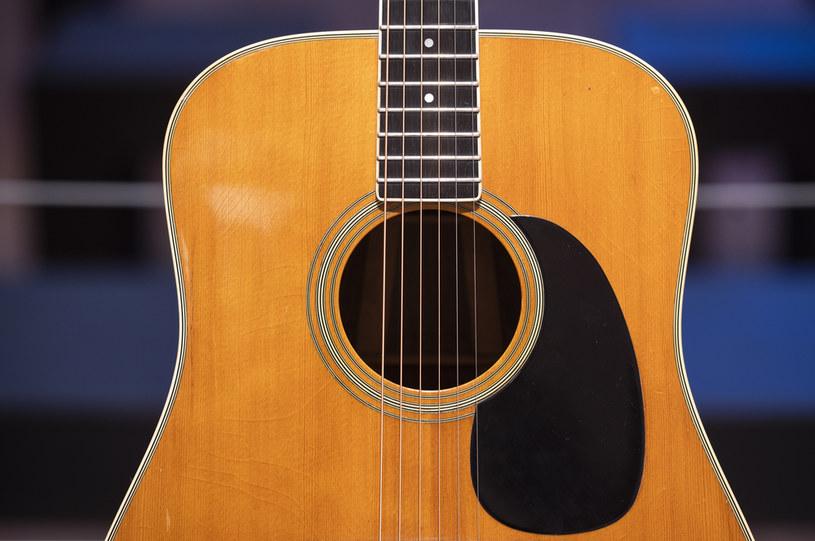 Gitara akustyczna; zdj. ilustracyjne /AFP