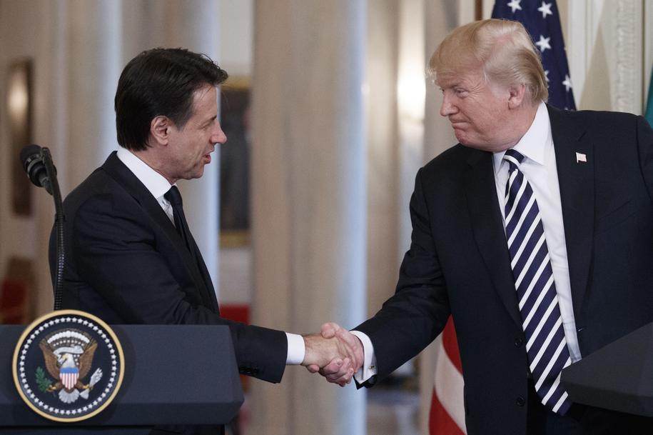 Giuseppe Conte i Donald Trump /SHAWN THEW    /PAP/EPA