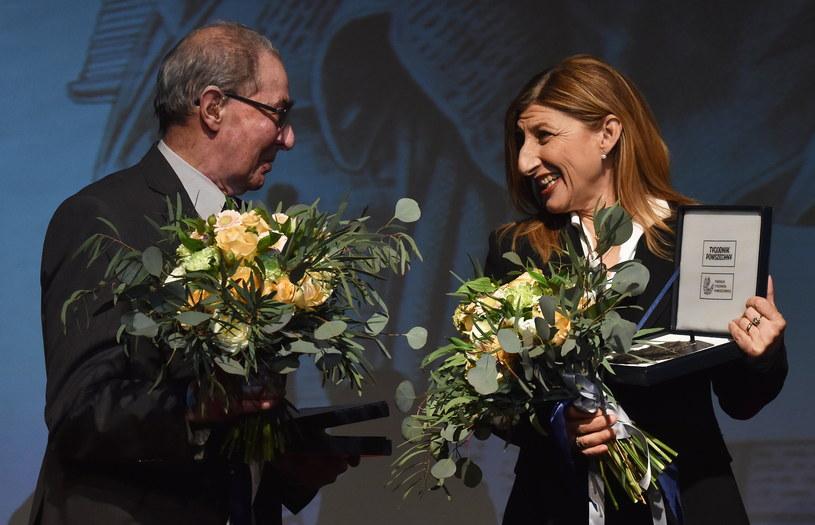 Giusi Nicolini i Karol Modzelewski laureatami Medali św. Jerzego /Jacek Bednarczyk /PAP