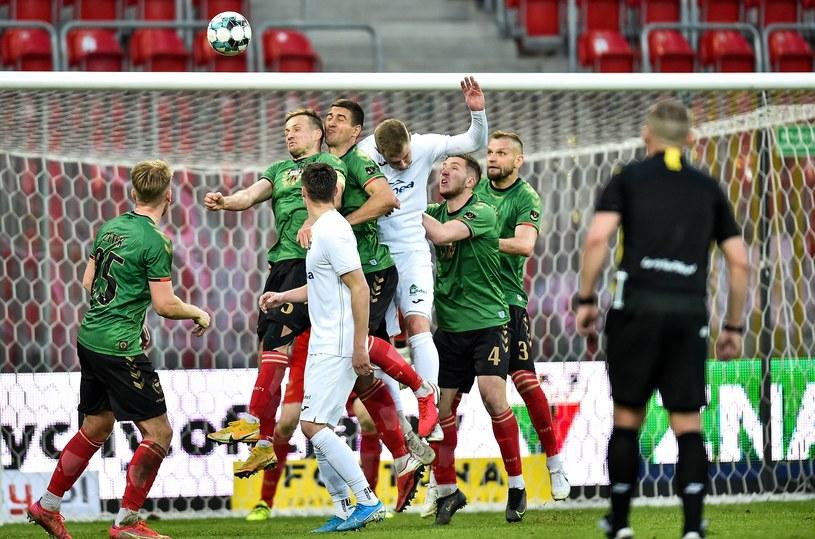GKS Tychy (zielone koszulki) pokonał Radomiaka 1-0 /Łukasz Sobala /Newspix