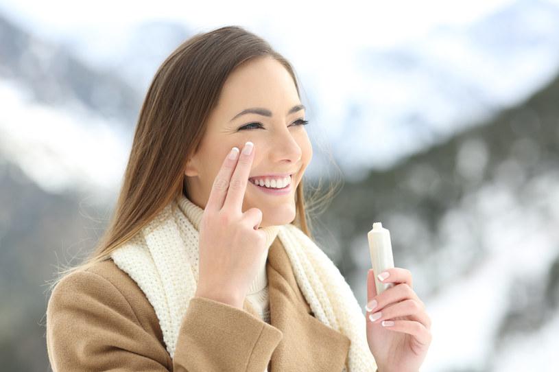 Glicerynę przede wszystkim można znaleźć w kremach, które mają za zadanie ochraniać skórę przed mrozem /123RF/PICSEL