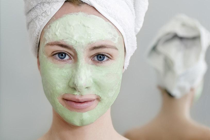 Glinka zielona ma najsilniejsze działanie ze wszystkich. Dezynfekuje, goi i odżywia skórę  /© Panthermedia