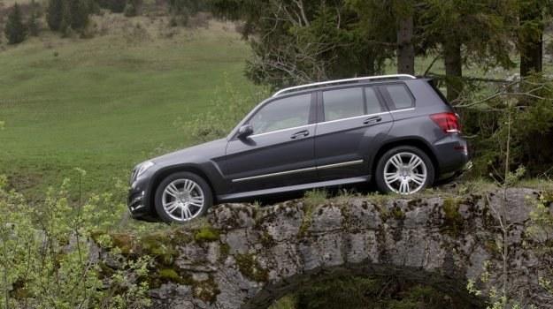 GLK (oznaczenie X204) zadebiutował w 2008 roku, a w 2012 został poddany modernizacji. Na rynku konkuruje m.in. z Audi Q5, BMW X3 oraz Volvo XC60. /Mercedes