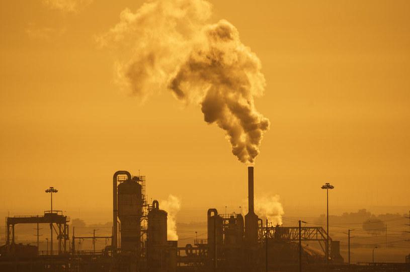 Globalne stężenie dwutlenku węgla w powietrzu przekroczyło 400 ppm /123RF/PICSEL