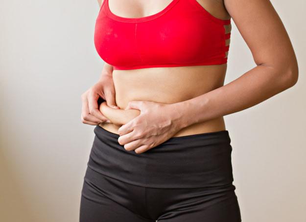 Głodzenie się, czy też drastyczne ograniczenie jedzenia nie jest rozwiązaniem problemu nadwagi /Picsel /123RF/PICSEL