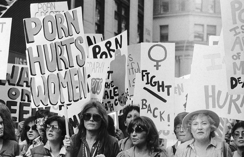 Gloria Steinem podczas jednego z feministycznych protestów w latach 60. XX wieku /Bettmann /Getty Images