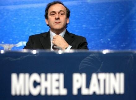 Głos Michela Platiniego może zadecydować o tym, kto zostanie gospodarzem Euro 2012 /AFP