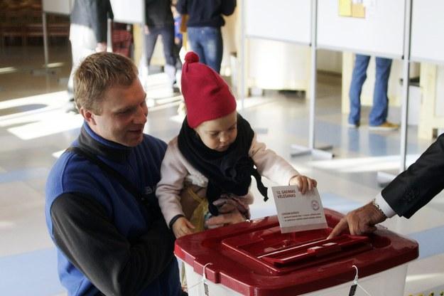 Głosowanie na Łotwie /VALDA KALNINA /PAP/EPA