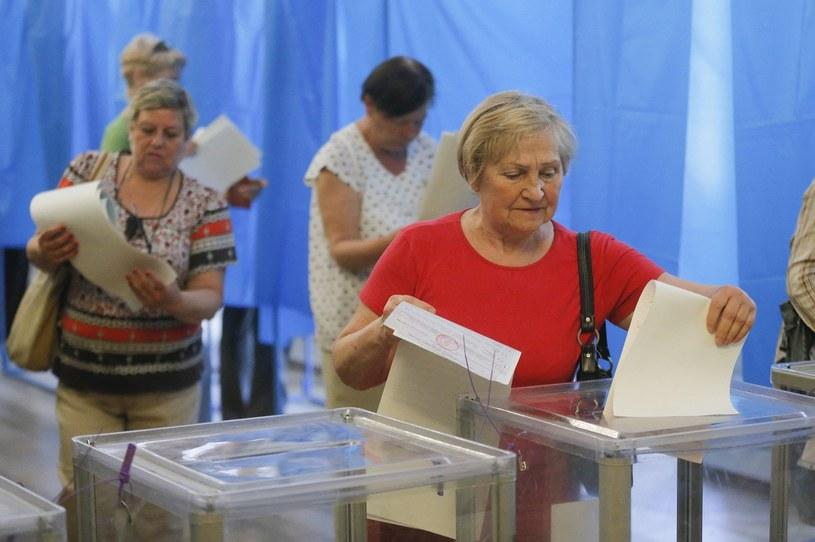 Głosowanie na Ukrainie /PAP/EPA