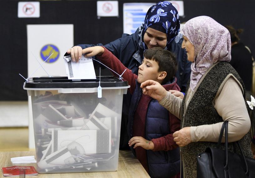 Głosowanie w Kosowie /PAP/EPA