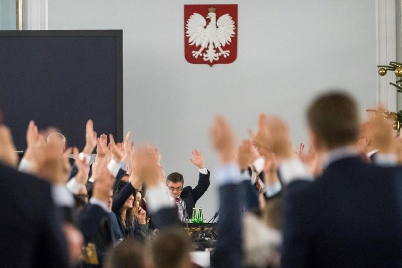 Głosowanie w Sali Kolumnowej /Andrzej Iwańczuk /East News