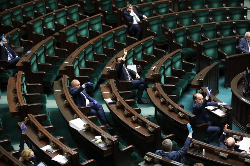 Głosowanie w Sejmie 06.04; zdj. ilustracyjne /Andrzej Iwańczuk /Reporter