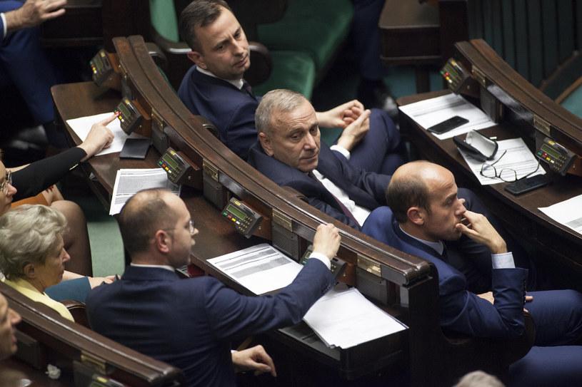 Głosowanie w Sejmie nad wyborem posłów do KRS /Maciej Luczniewski /Reporter