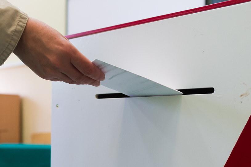 Głosowanie /Jakub Kaczmarczyk /PAP