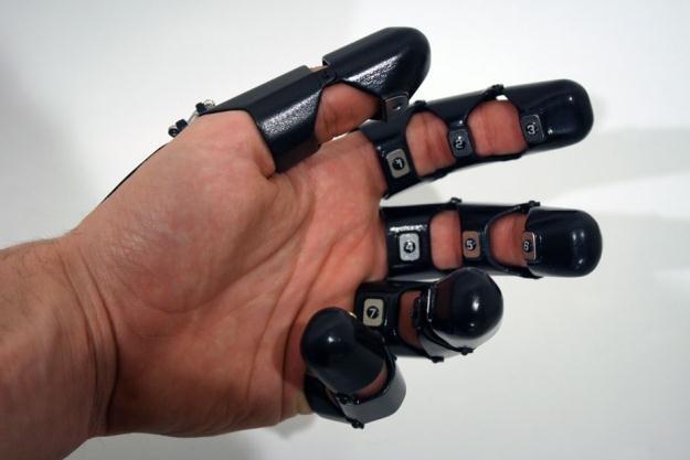 Glove One ma niewielkie szanse na rynkowy debiut.     Fot. Bryan Cera /materiały prasowe