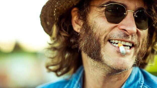"""Główną rolę w """"Inherent Vice"""" zagrał Joaquin Phoenix /materiały dystrybutora"""