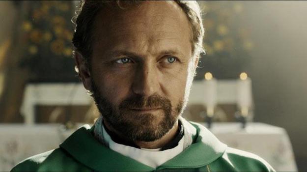 """Główną rolę w w filmie """"W imię..."""" zagrał Andrzej Chyra /materiały dystrybutora"""