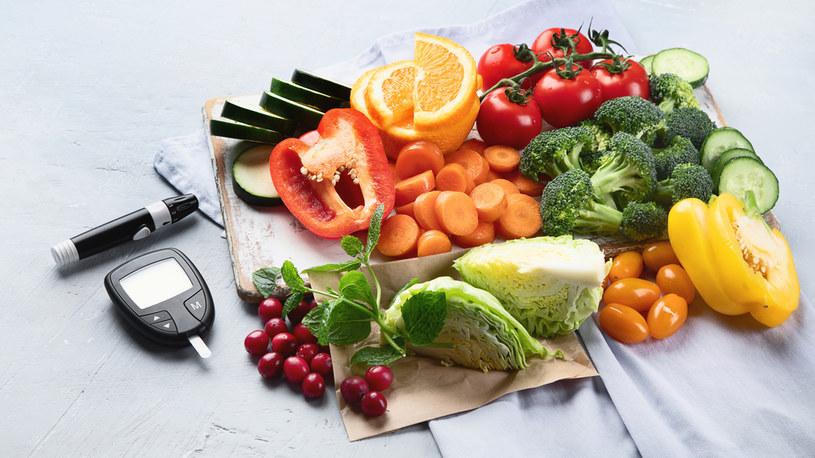 Główna zasada diety opiera się na spożywaniu produktów o niskim indeksie glikemicznym /123RF/PICSEL