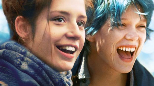 """Główne role w """"Życiu Adeli"""" zagrały 19-letnia Adele Exarchopoulos (L) i 28-letnia Lea Seydoux (P) /materiały dystrybutora"""